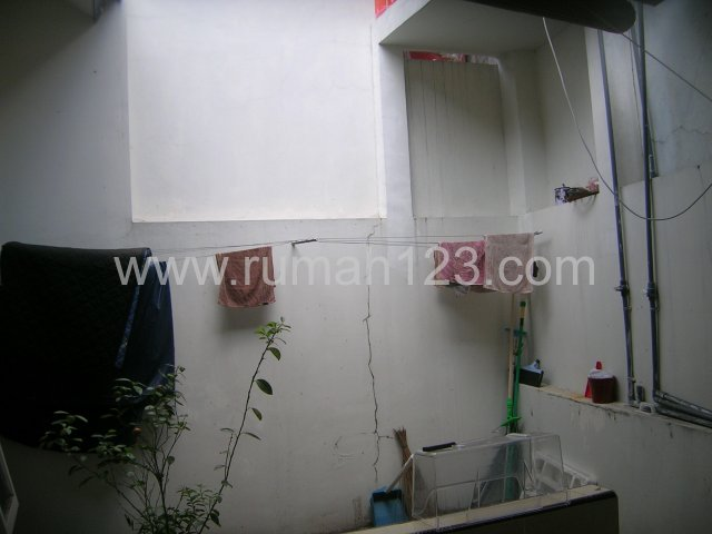 http://images.id.ippstatic.com/house/ho10/1067965/hos1067965-dijual-di-semarang_2_1382426397.jpg
