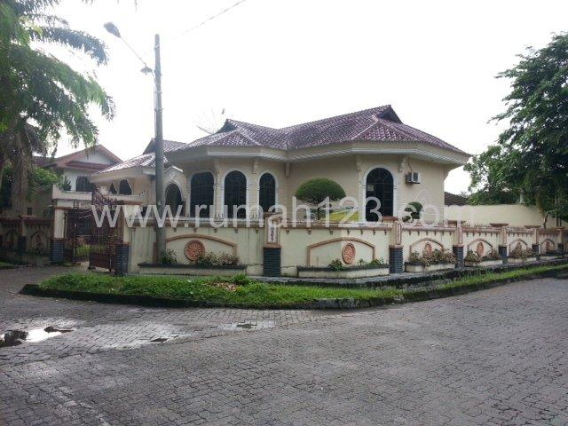 Rumah Mewah Di Kompleks Tasbi Setia Budi